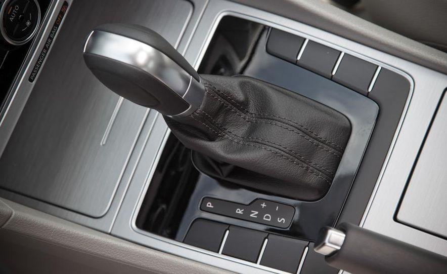 2012 Volkswagen Passat TDI SE - Slide 17