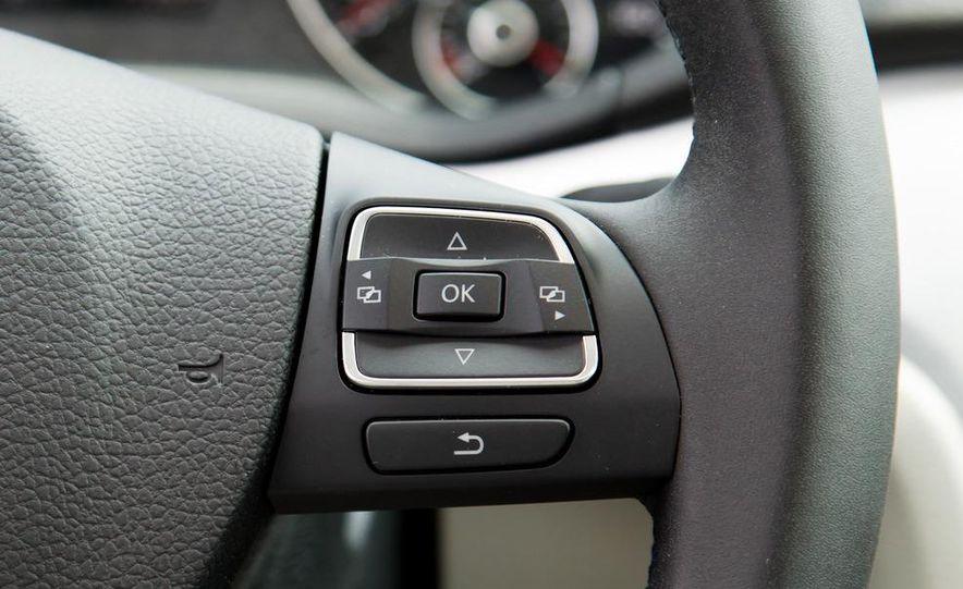 2012 Volkswagen Passat TDI SE - Slide 21