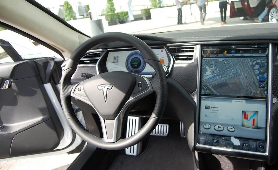 2012 Tesla Model S Signature - Slide 24