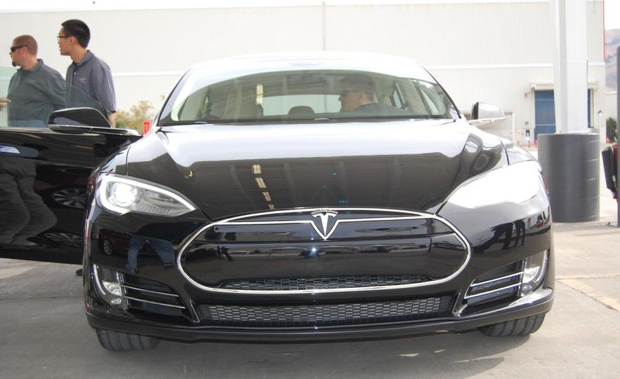 2012 Tesla Model S Signature - Slide 12