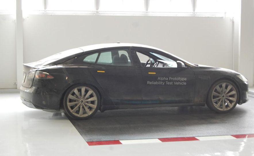 2012 Tesla Model S Signature - Slide 16