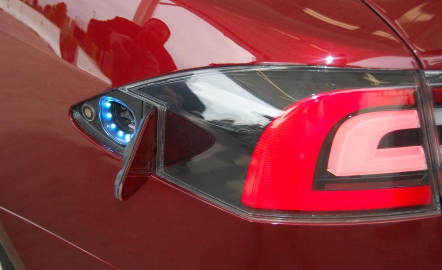 2012 Tesla Model S Signature - Slide 19