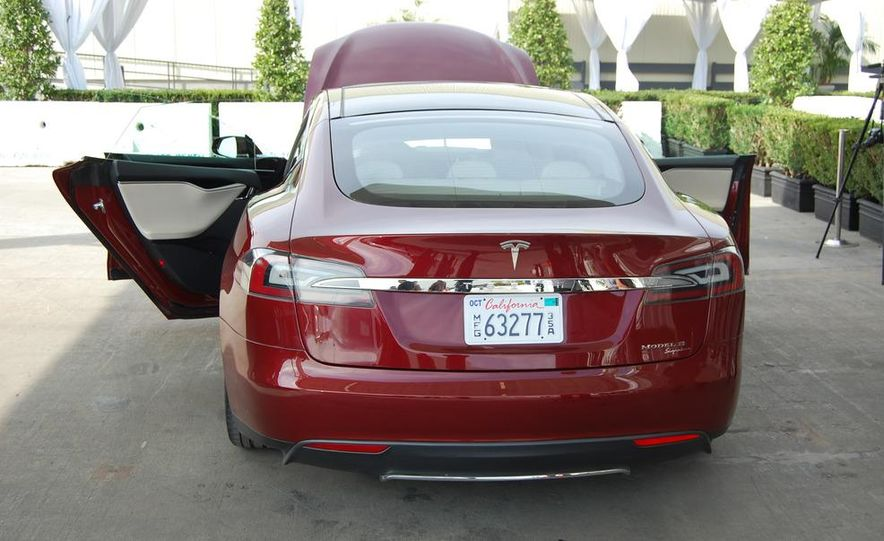 2012 Tesla Model S Signature - Slide 11