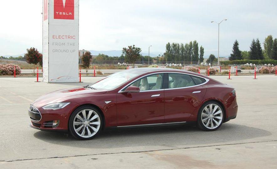 2012 Tesla Model S Signature - Slide 2