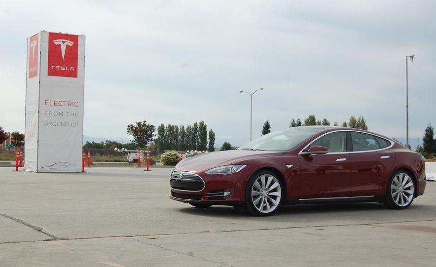 2012 Tesla Model S Signature - Slide 3