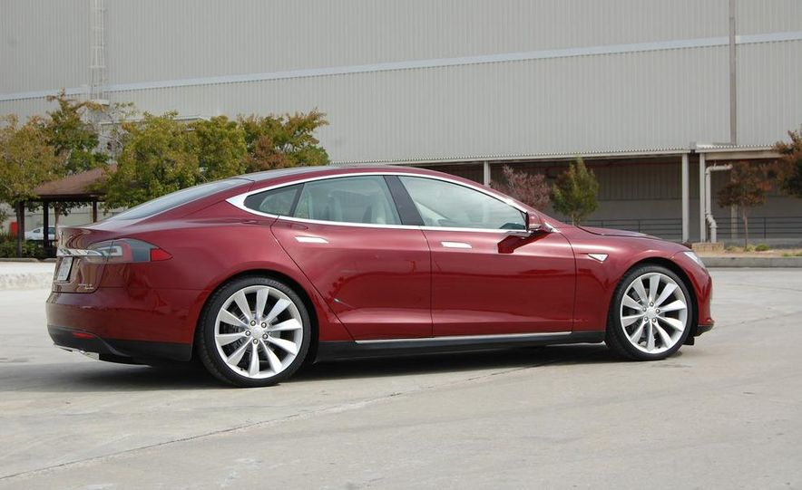 2012 Tesla Model S Signature - Slide 4