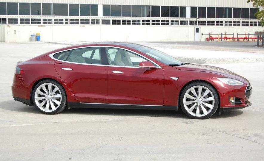 2012 Tesla Model S Signature - Slide 5