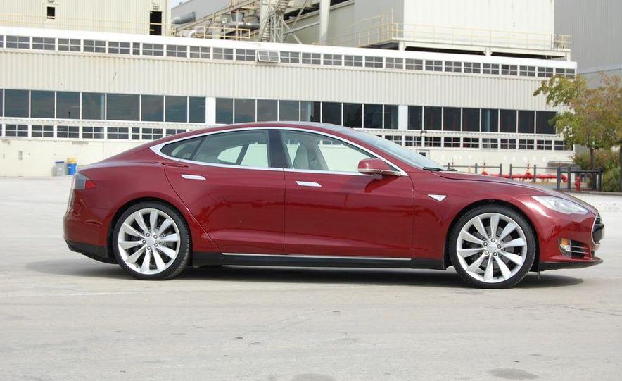 2012 Tesla Model S Signature - Slide 6