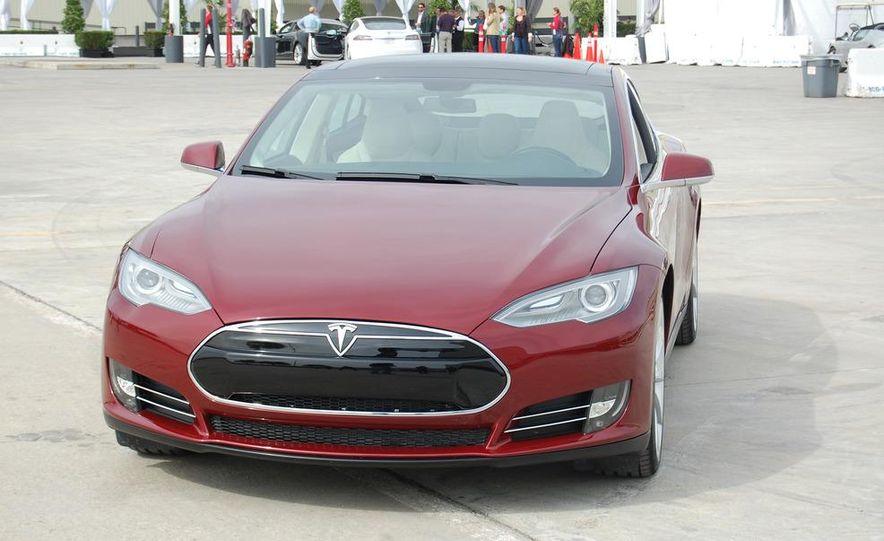 2012 Tesla Model S Signature - Slide 7
