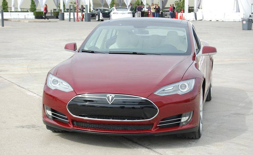 2012 Tesla Model S Signature - Slide 8