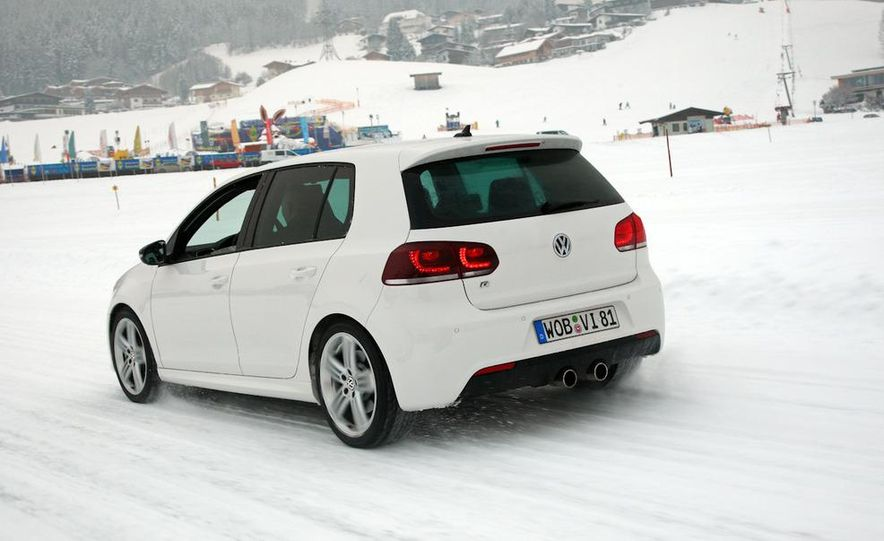 2012 Volkswagen Golf R - Slide 12