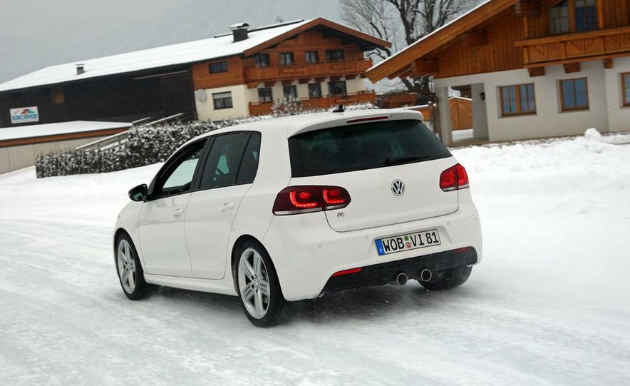 2012 Volkswagen Golf R - Slide 13