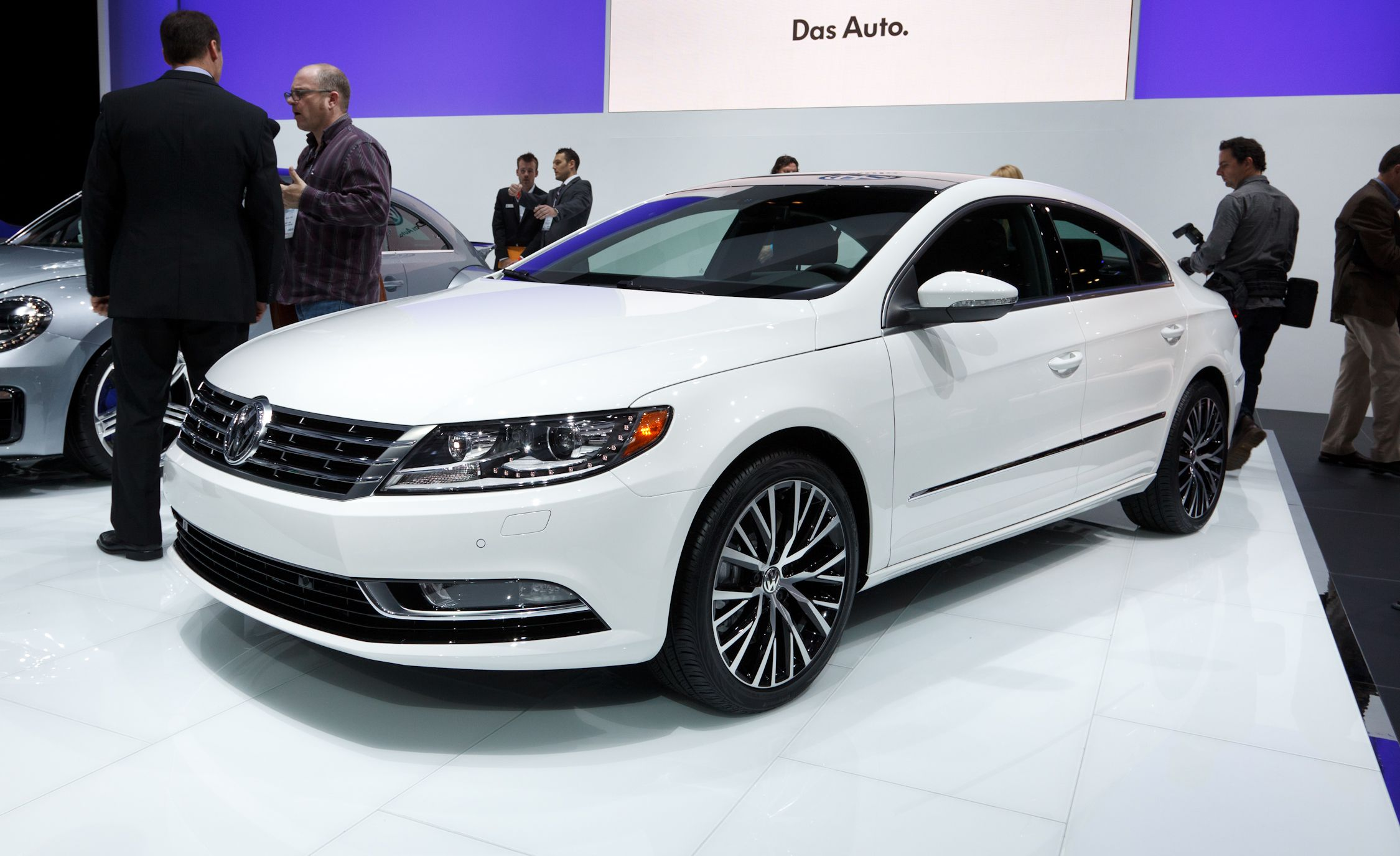2013 volkswagen cc auto shows car and driver. Black Bedroom Furniture Sets. Home Design Ideas