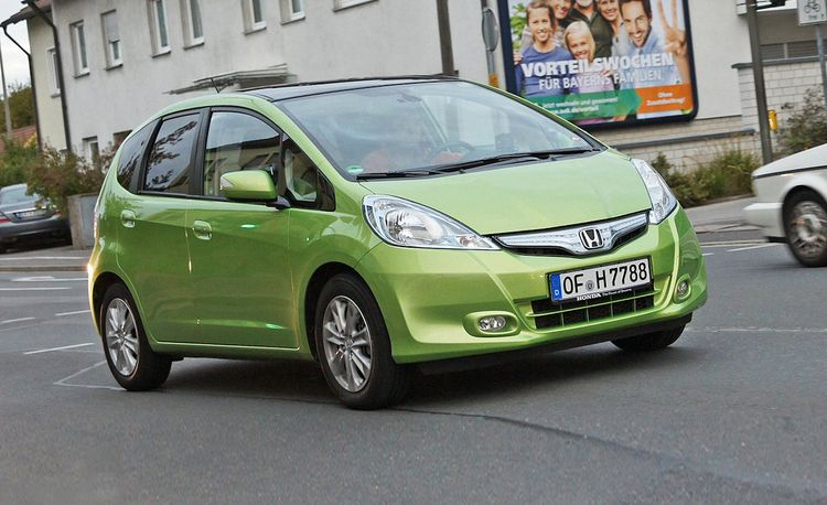 2011 Honda Fit Hybrid Euro-Spec