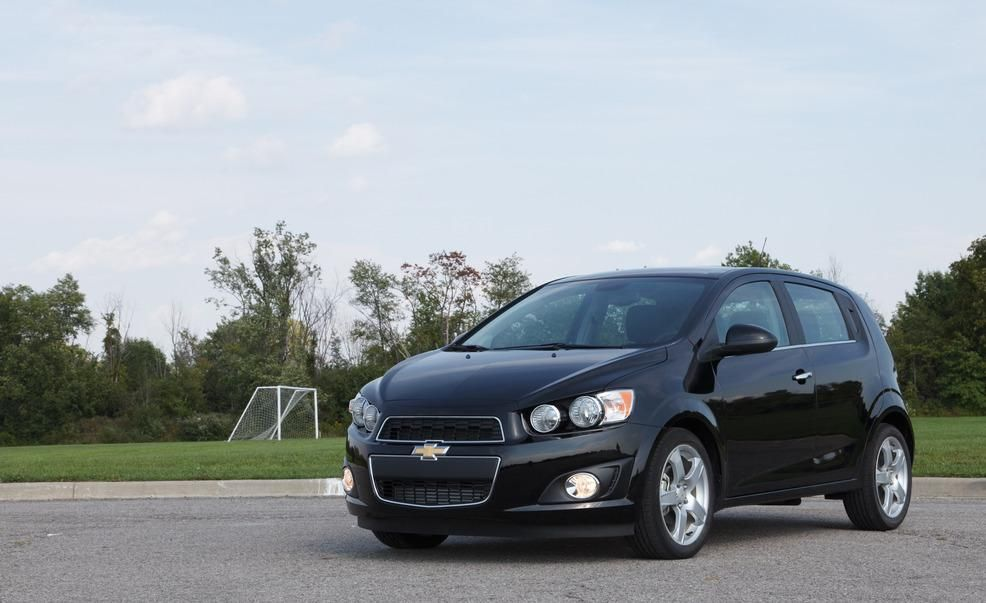 2012 chevy sonic hatchback review