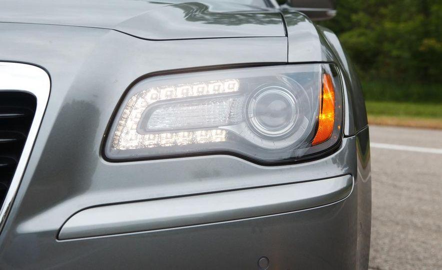 2012 Chrysler 300S - Slide 16