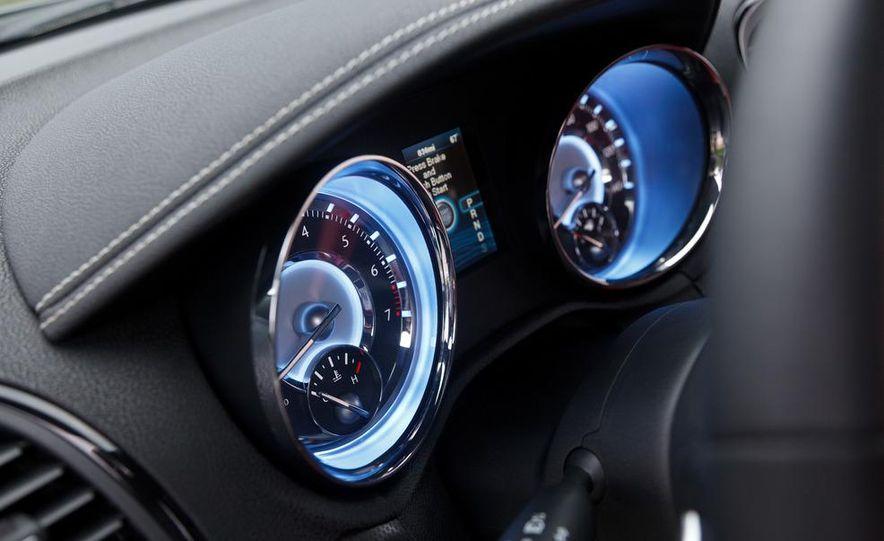 2012 Chrysler 300S - Slide 25