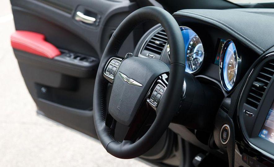 2012 Chrysler 300S - Slide 19