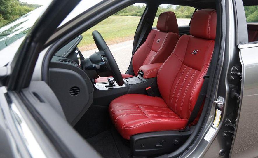 2012 Chrysler 300S - Slide 21