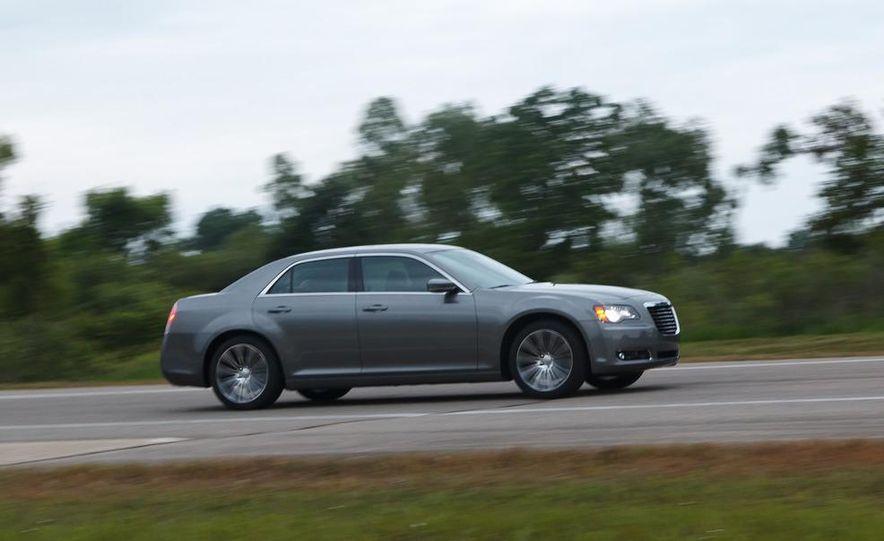 2012 Chrysler 300S - Slide 1