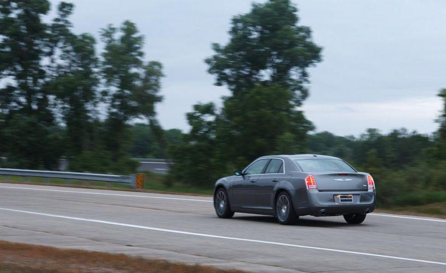 2012 Chrysler 300S - Slide 6