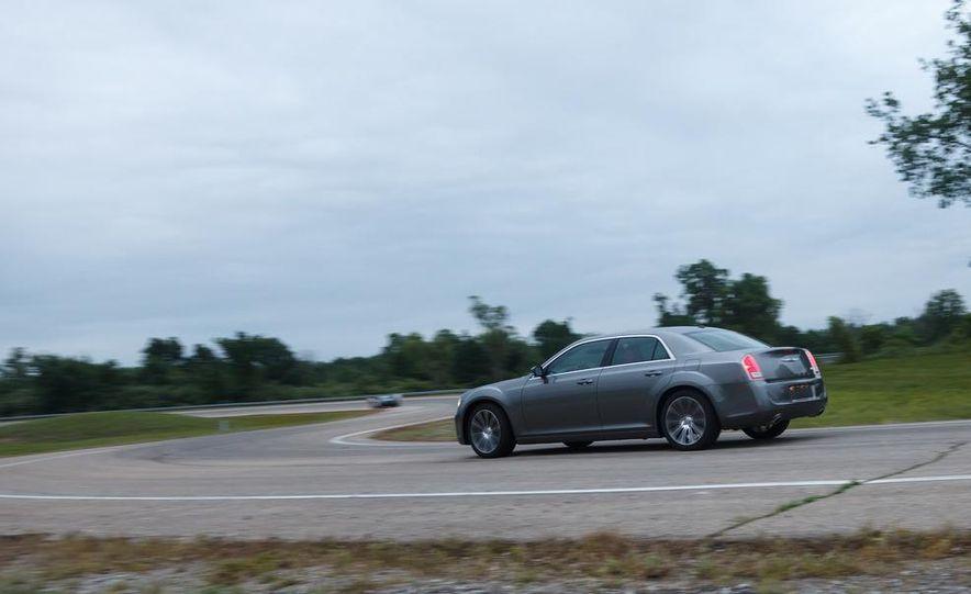 2012 Chrysler 300S - Slide 7