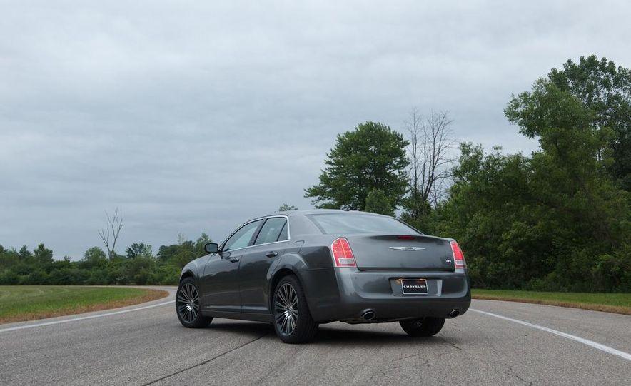 2012 Chrysler 300S - Slide 11