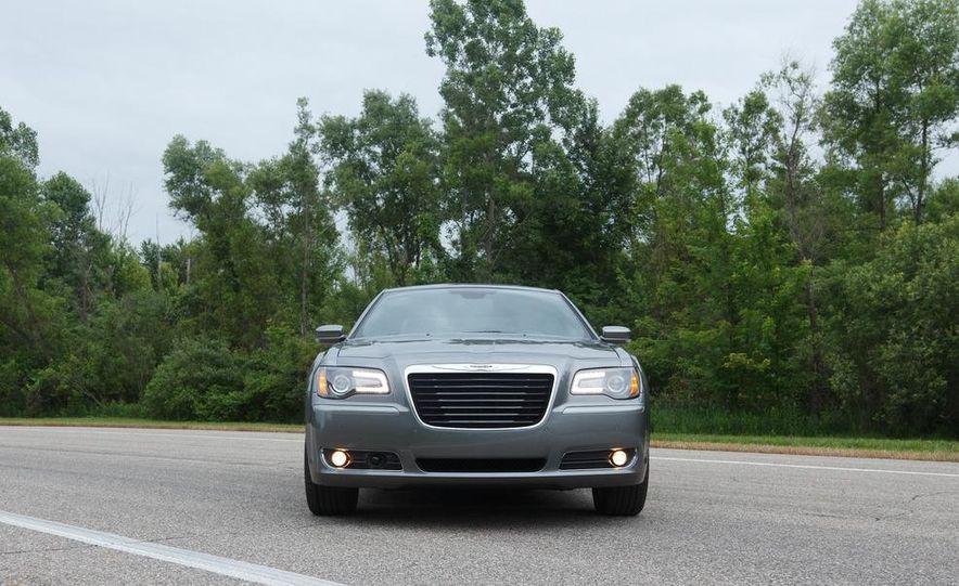 2012 Chrysler 300S - Slide 13