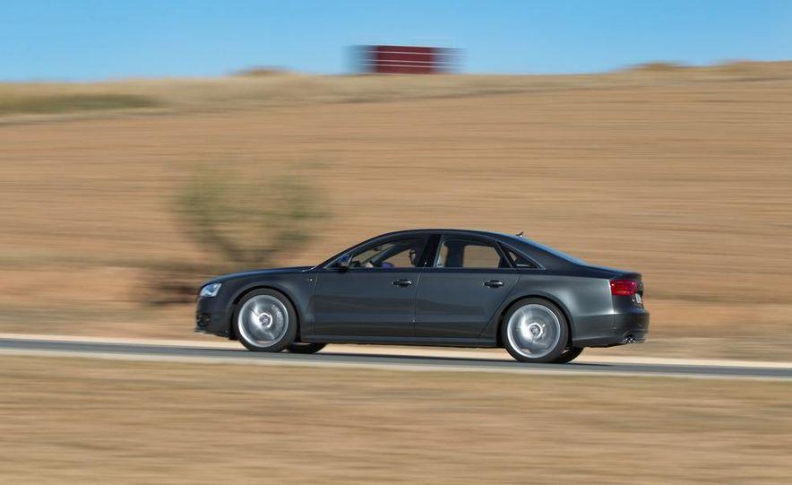 2013 Audi S8 - Slide 3