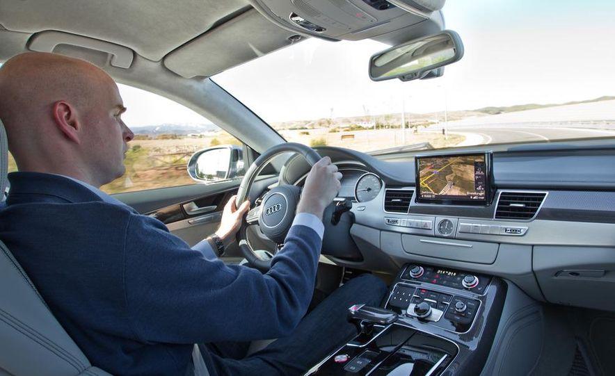 2013 Audi S8 - Slide 19
