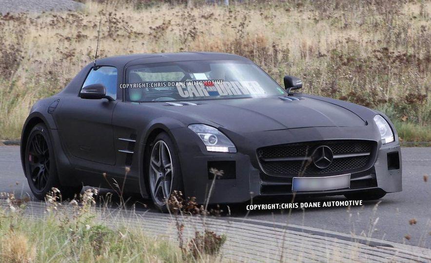 2014 Mercedes-Benz SLS AMG Black Series (spy photo) - Slide 1