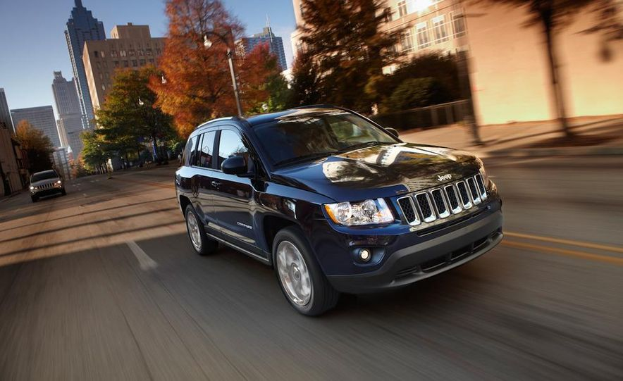 2014 Jeep Compass / Patriot (spy photo) - Slide 8