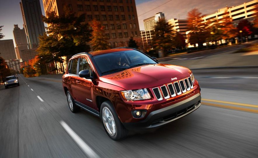 2014 Jeep Compass / Patriot (spy photo) - Slide 10