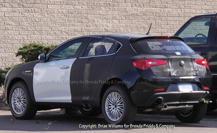 2014 Jeep Compass / Patriot (spy photo) - Slide 1