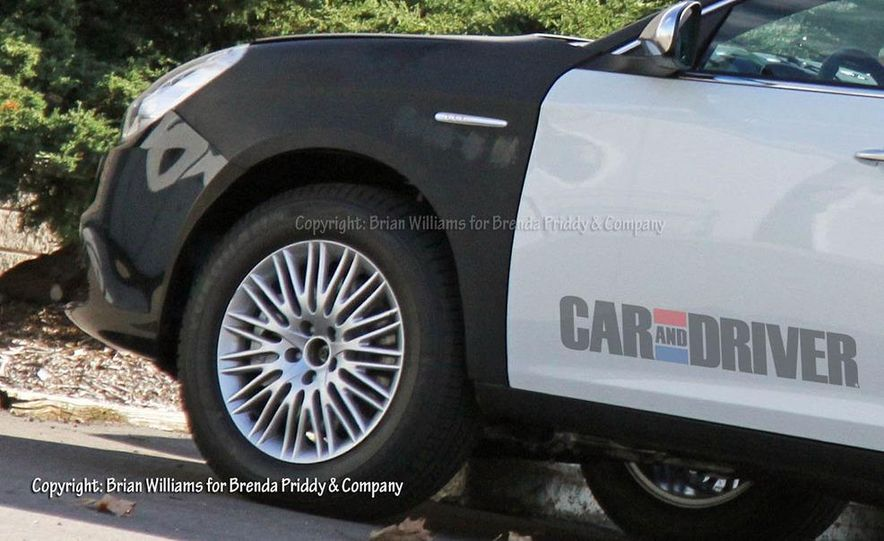 2014 Jeep Compass / Patriot (spy photo) - Slide 4