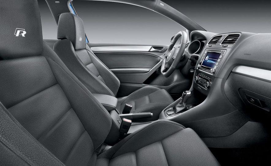 2012 Volkswagen Golf R 3-door - Slide 7