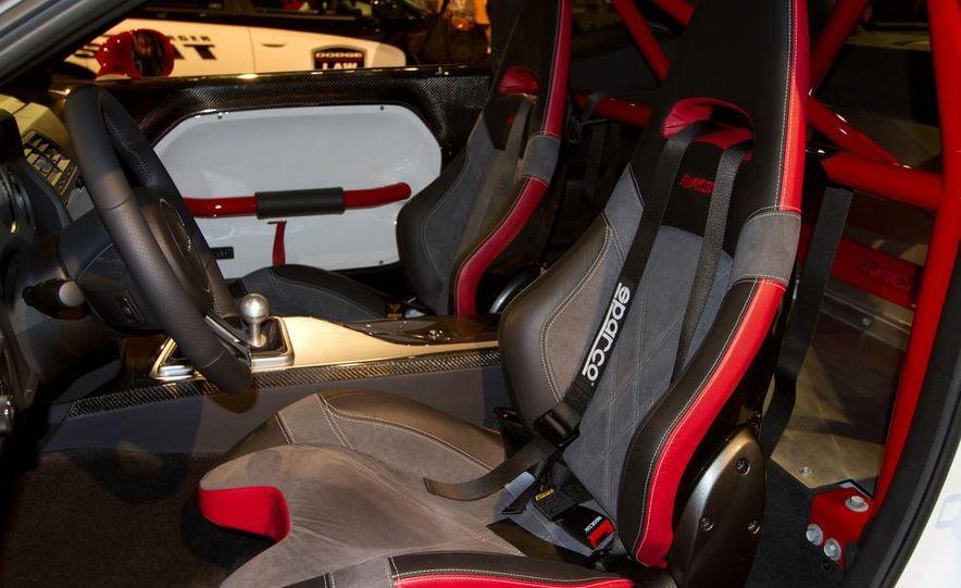 Dodge Challenger SRT8 ACR - Slide 5