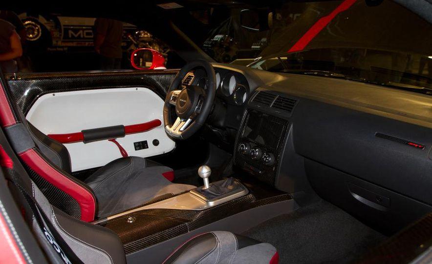 Dodge Challenger SRT8 ACR - Slide 7