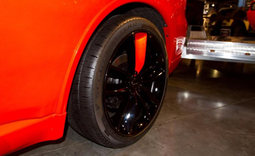 Dodge Challenger SRT8 ACR - Slide 10