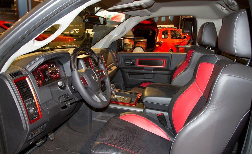 Dodge Challenger SRT8 ACR - Slide 21