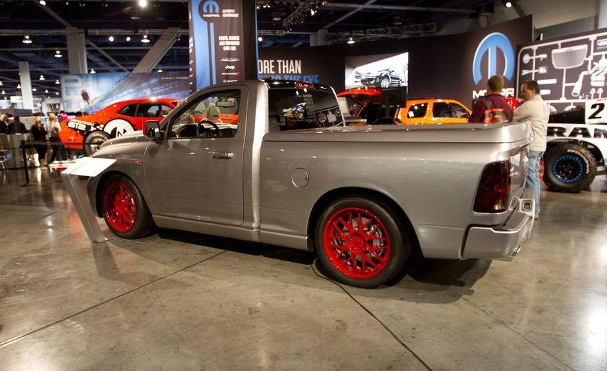 Dodge Challenger SRT8 ACR - Slide 17