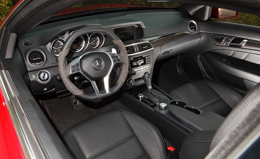 2012 Mercedes-Benz C63 AMG coupe - Slide 31