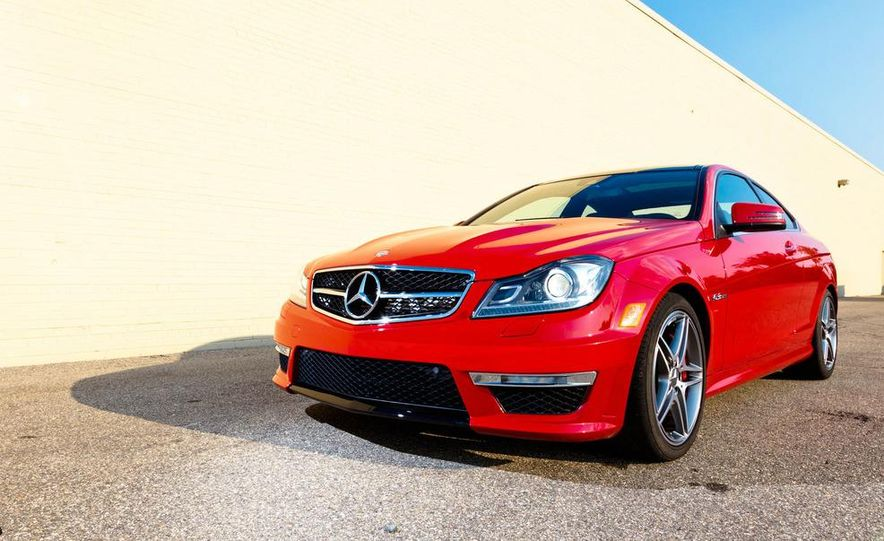 2012 Mercedes-Benz C63 AMG coupe - Slide 4