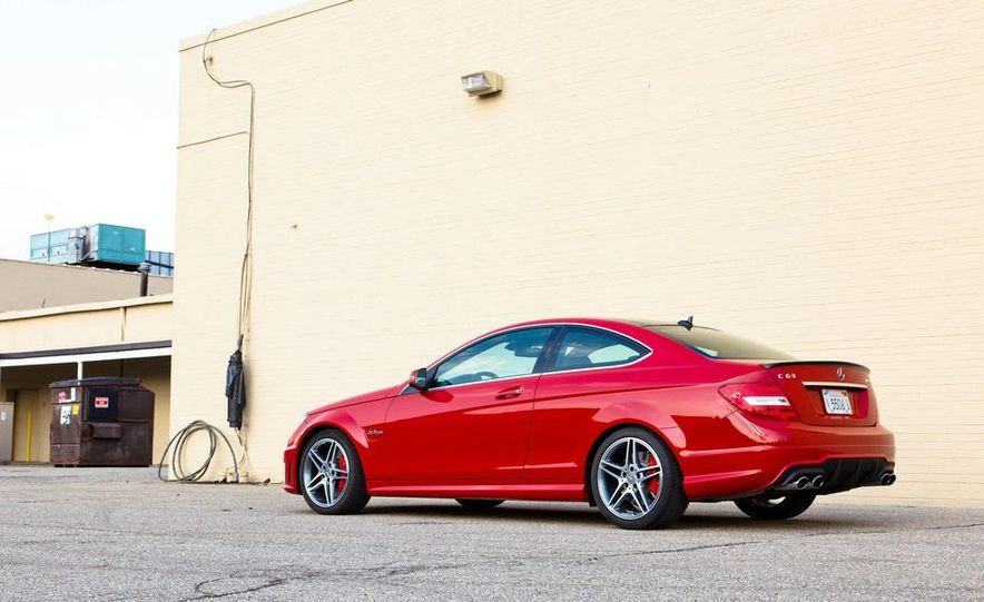 2012 Mercedes-Benz C63 AMG coupe - Slide 7