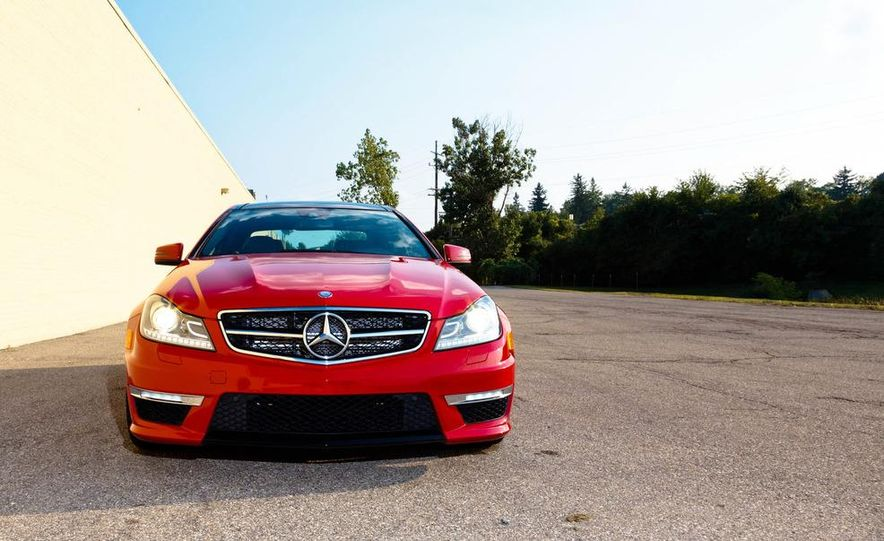 2012 Mercedes-Benz C63 AMG coupe - Slide 8