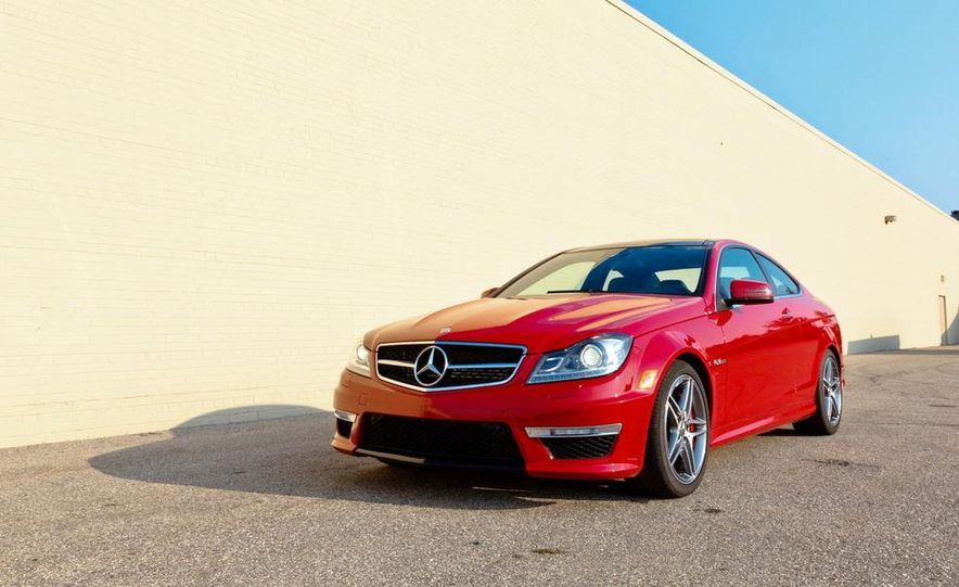 2012 Mercedes-Benz C63 AMG coupe - Slide 10
