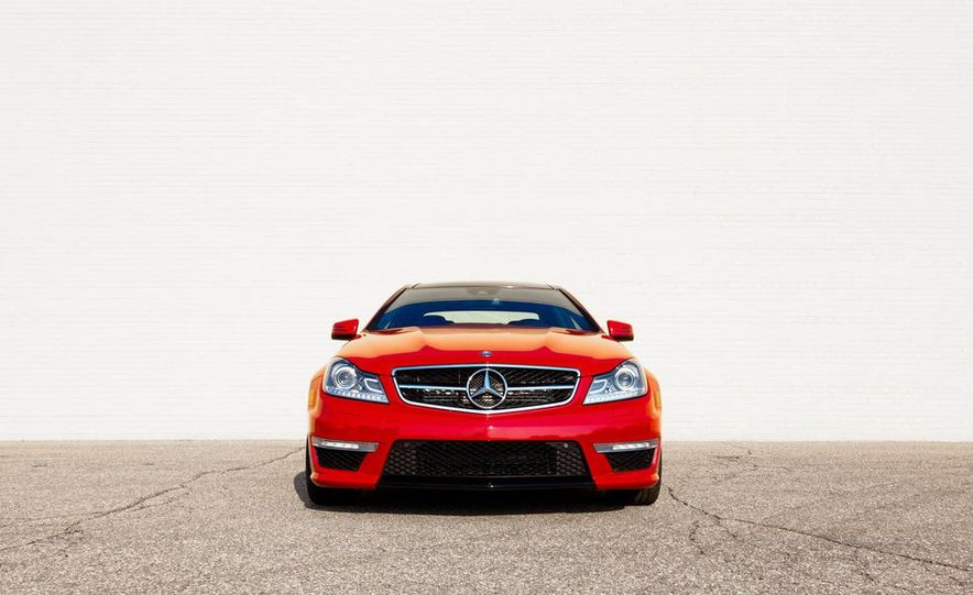 2012 Mercedes-Benz C63 AMG coupe - Slide 12