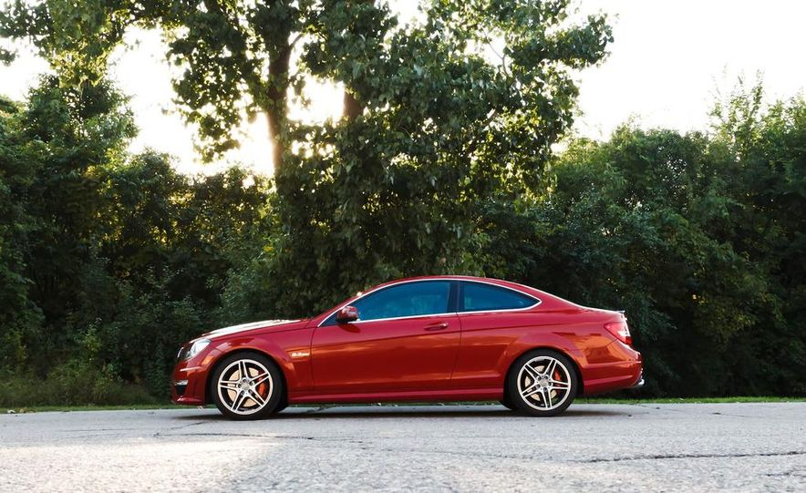 2012 Mercedes-Benz C63 AMG coupe - Slide 17
