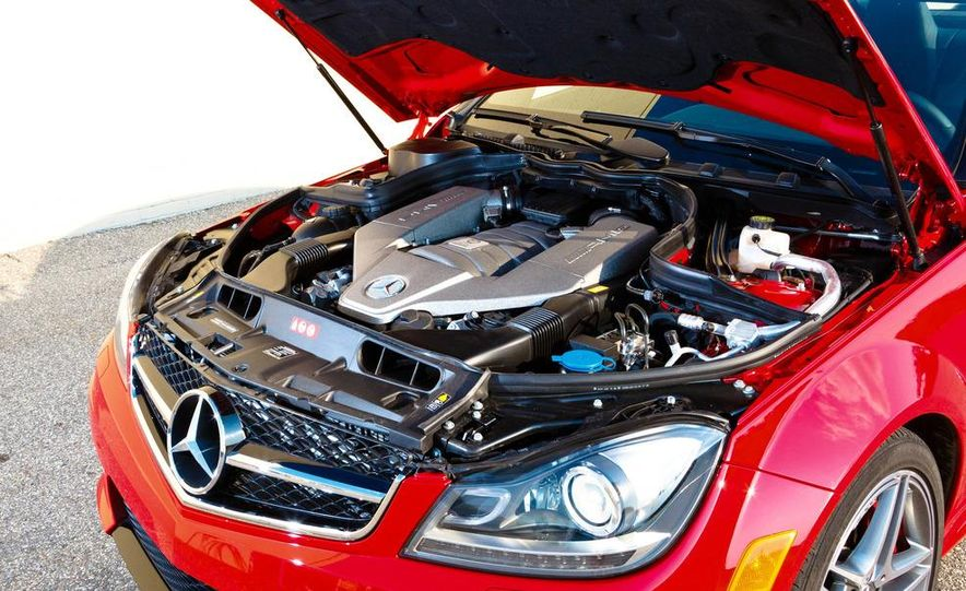 2012 Mercedes-Benz C63 AMG coupe - Slide 40