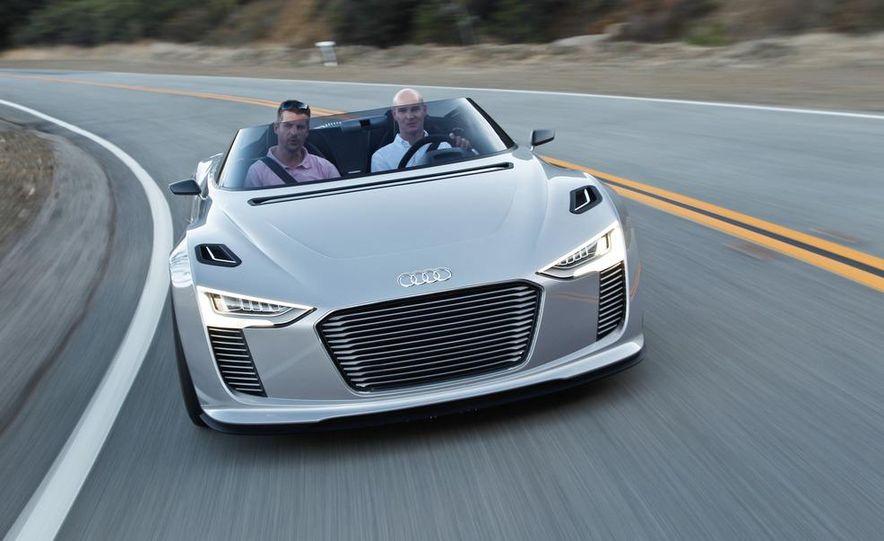 Audi e-tron Spyder concept - Slide 1